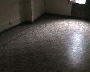 antiguos baldosines de un piso señorial en Daroca
